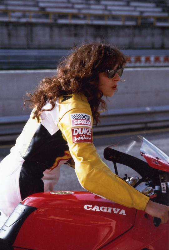 images/rider/at-work/with-cagiva.jpg